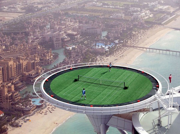The-Worlds-Highest-Tennis-Court-on-the-top-of-Burj-Al-Arab-in