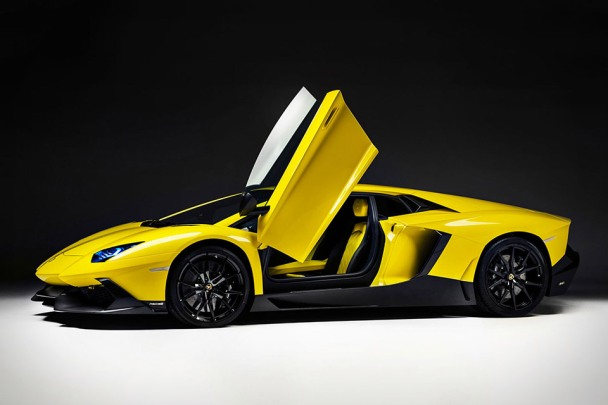 lamborghini-aventador-50th-xl