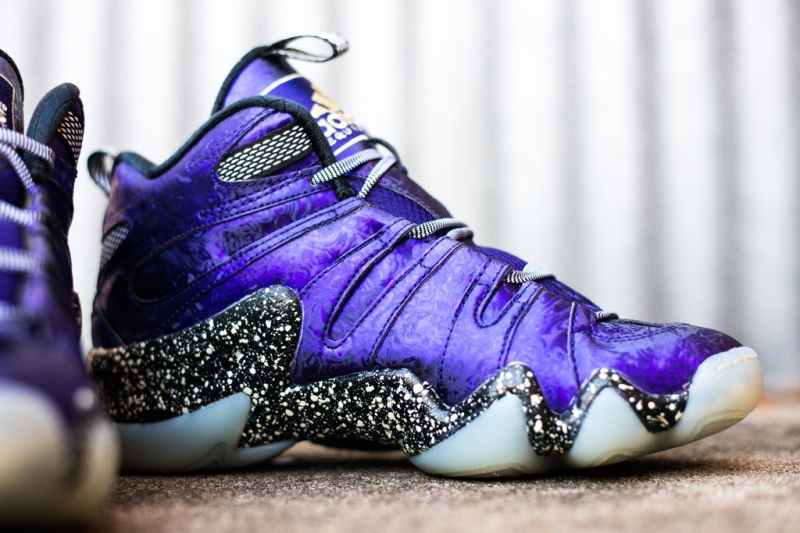 adidas-crazy-8-nightmare-before-christmas-3