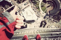 cn-tower-edgewalk-2