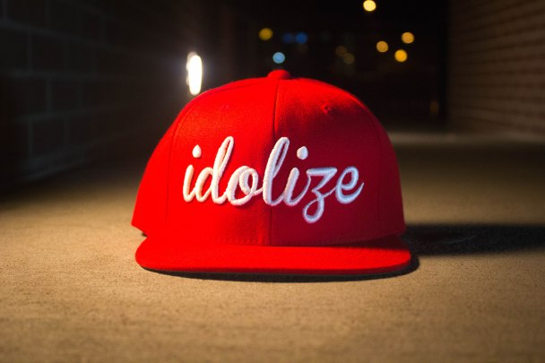 "Idolize ""Original"" Classic Snapback (red/white)"