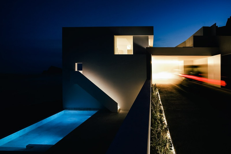house-on-the-cliff-5