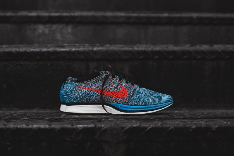 Nike_Flyknit_Racer_-_Blue_Red_1