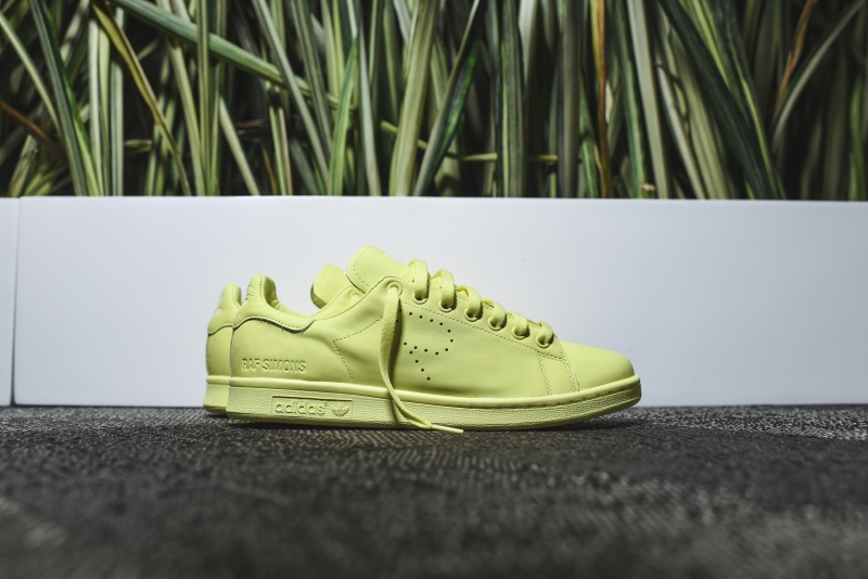 Raf_Simons_x_Adidas_StanSmith_LemonFrost_1