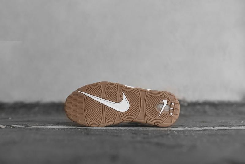 Nike_Air_More_Uptempo_-_WhiteGum_414962_103_5