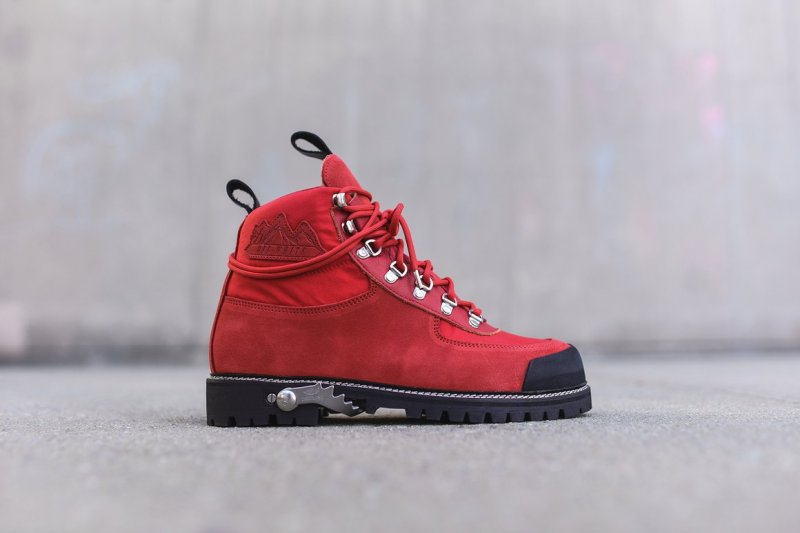 off_white_boots_hiking_codura_red_9313_1160x-progressive